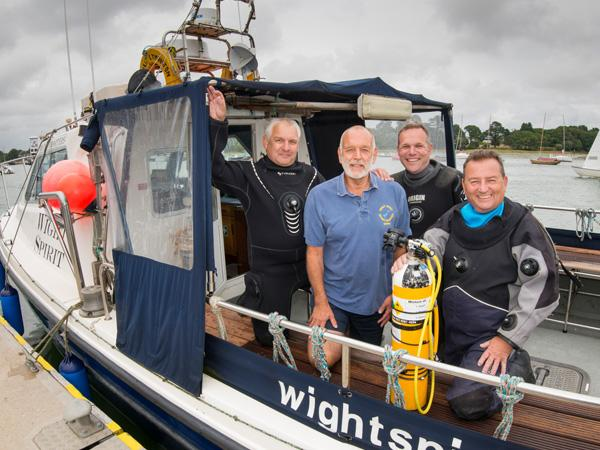 Wight Dolphins Sub-Aqua Club supports SoS campaign
