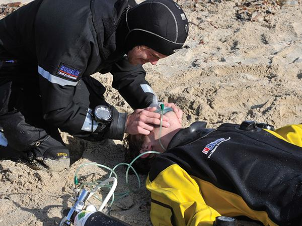 Thumbnail photo for Essential first aid for divers