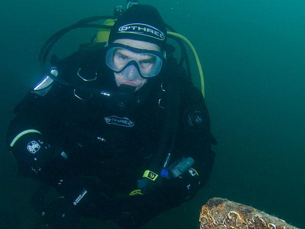 Thumbnail photo for How do I scuba dive deeper?