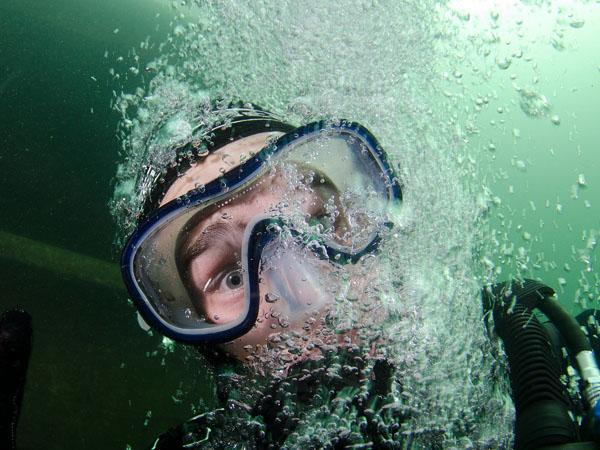 Thumbnail photo for Hints and tips for diving in the cold