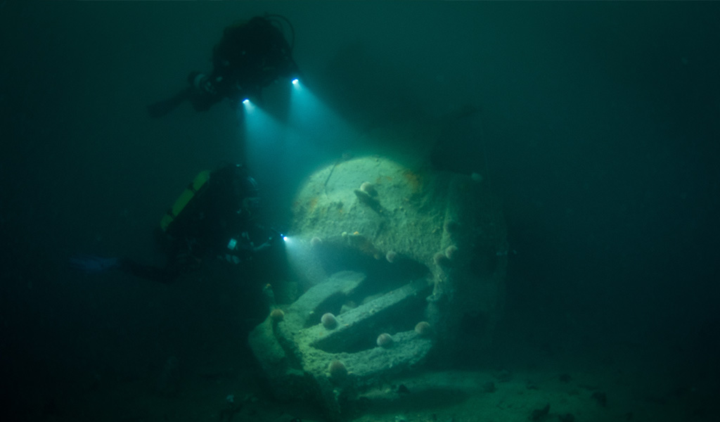 Bob Anderson: Photogrammetry data gathering on SMS Coln Kedge Anchor by Andy and Fiona Hunt.