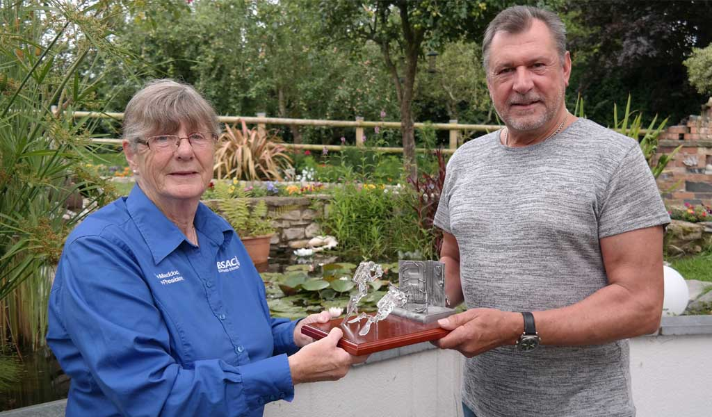 Wreck Award presented to Steve Dover by Jane Maddocks