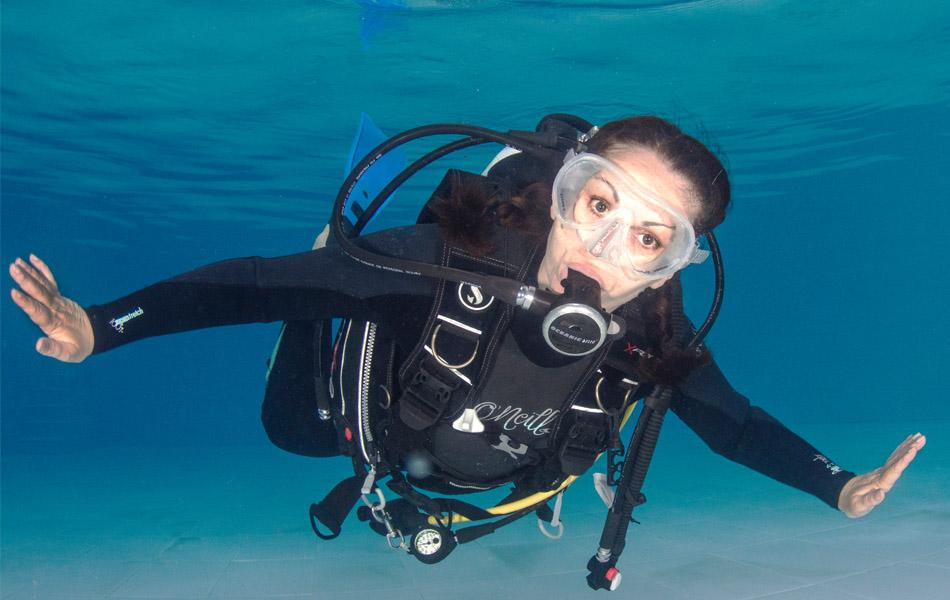 Learn to scuba dive - pool - Elaine White